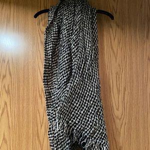 Numph blanket scarf